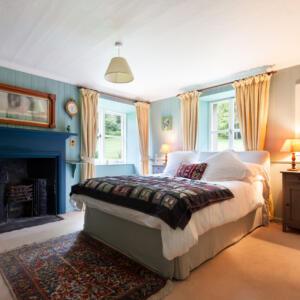 28 ESH int Garden bedroom B Cox